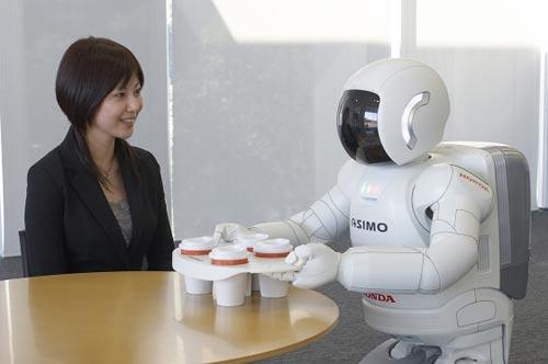 """Năm 2050 sẽ có <i>""""người tình robot""""</i>?"""